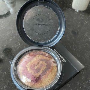 MAC Earthshine Mineralize Skinfinish